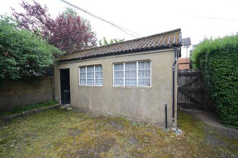 Garage to rent - Holdenhurst Road, Bournemouth