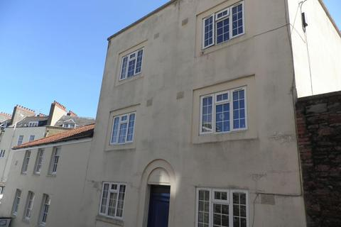 3 bedroom apartment to rent - Upper Byron Place, Bristol