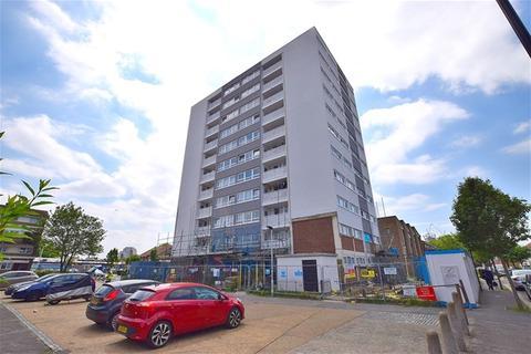 1 bedroom flat to rent - Janson Close, Stratford