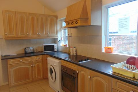 1 bedroom flat share to rent - Portswood Road
