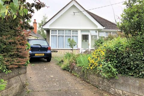 2 bedroom detached bungalow for sale - Hyde Street, Upper Beeding, STEYNING, West Sussex