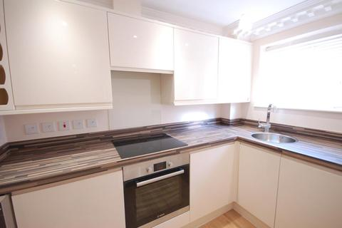 Studio to rent - 21 Russell Street, Reading, RG1