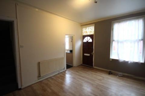 3 bedroom end of terrace house to rent - Brompton Grove,  Leeds, LS11