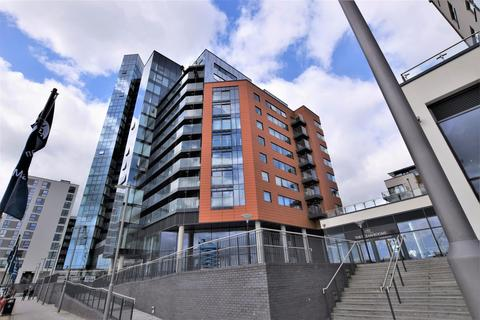 2 bedroom flat to rent - The Hawkins Tower, Ocean Way, Ocean Village, Southampton, SO14 3LH