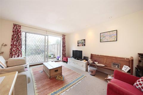 2 bedroom house to rent - St Catherine's Close, London, SW17