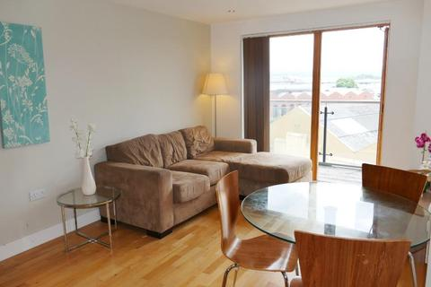 2 bedroom apartment to rent - CLARENCE HOUSE, THE BOULEVARD, LEEDS, LS10 1LL