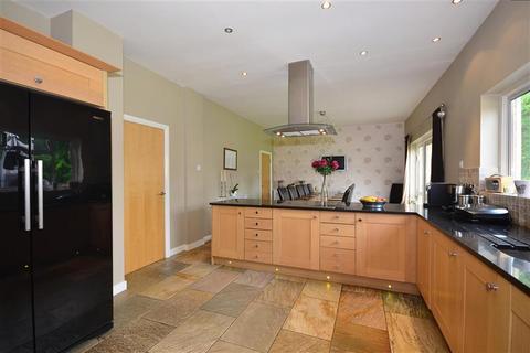 4 bedroom detached house for sale - Banstead Road South, Sutton, Surrey