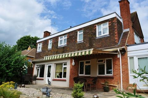 4 bedroom chalet for sale - Pines Road, Chelmsford, Essex