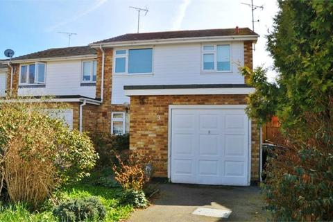 3 bedroom semi-detached house for sale - The Dell, Great Baddow, Chelmsford, Essex