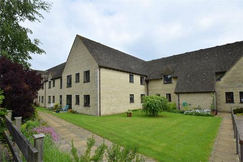 2 bedroom flat for sale - Cecily Court, Cambridge Way, Minchinhampton, Stroud