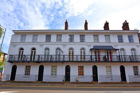 Studio to rent - Alphington Street, Exeter, Devon