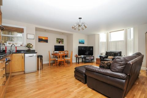 2 bedroom apartment to rent - Manor Road Beckenham BR3