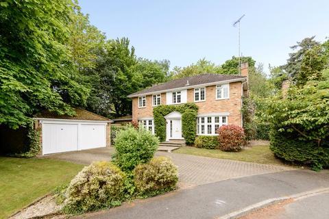 4 bedroom detached house to rent - Walton Drive, Ascot, Berkshire