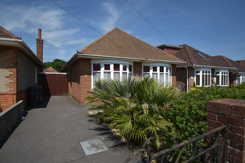 2 bedroom bungalow for sale - Strathmore Road , Bournemouth,