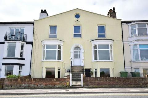 2 bedroom flat for sale - Highcliff Road, Cleethorpes