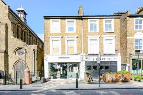 2 bedroom apartment to rent - Trinity Road, Tooting  Bec SW17