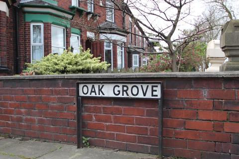 2 bedroom terraced house to rent - Oak Grove, Urmston, Manchester, M41