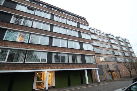 3 bedroom flat to rent - High Kingsdown, Kingsdown, BS2