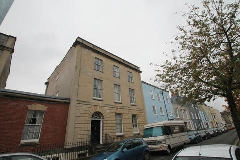 4 bedroom flat to rent - **STUDENT PROPERTY** Kingsdown Parade, Kingsdown, Bristol, BS6