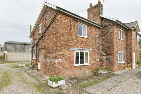 2 bedroom terraced house to rent - Rowes Cottage A, Stockton Lane, YO32