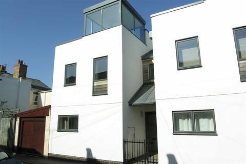 2 bedroom terraced house to rent - Upper Bath Street, Leckhampton, Cheltenham