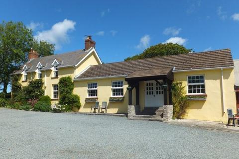 4 bedroom farm house for sale - Dale Road, Walwyns Castle