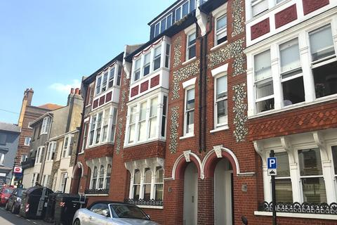 2 bedroom apartment to rent - Burlington Street, Brighton BN2 1AU