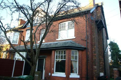 Studio to rent - Sherwood Avenue, Sale, M33