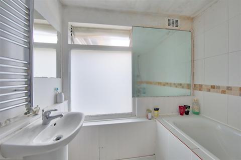 2 bedroom flat to rent - 18b Brodrick Road Wandsworth Common London