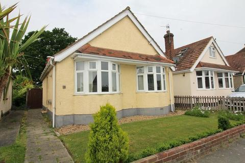 2 bedroom detached bungalow for sale - Sunrise Avenue, Chelmsford, Essex, CM1