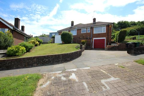 3 bedroom semi-detached bungalow to rent - Cuckmere Way, Hollingbury, Brighton BN1