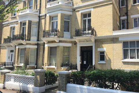 1 bedroom flat to rent - First Avenue, Hove BN3