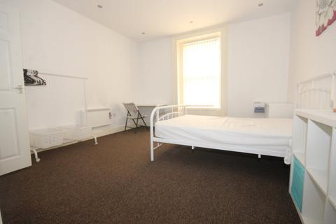 1 bedroom in a house share to rent - 107 Bewsey Road, Warrington