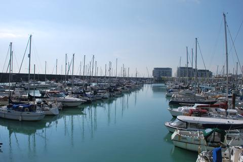 Studio to rent - Eastern Concourse, Brighton Marina, Brighton BN2