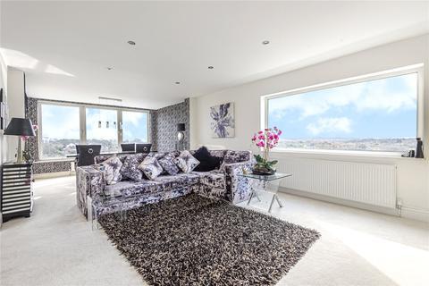 3 bedroom apartment for sale - Sandmoor Court, Alwoodley, Leeds, West Yorkshire