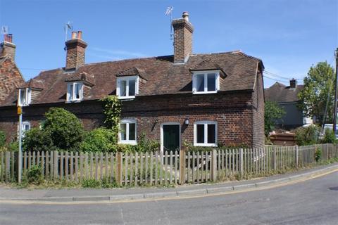 2 bedroom cottage to rent - The Street, Mersham