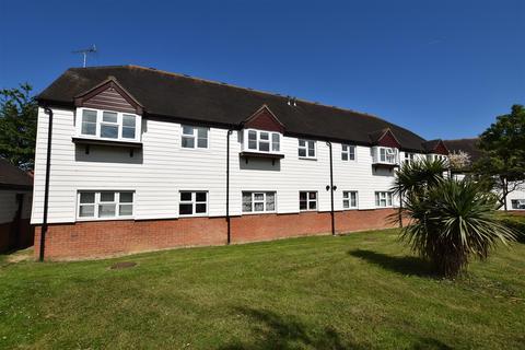 2 bedroom apartment to rent - Thornborough Avenue, South Woodham Ferrers