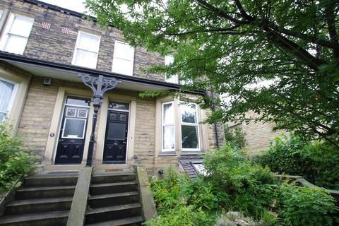 5 bedroom terraced house to rent - New Line, Greengates.