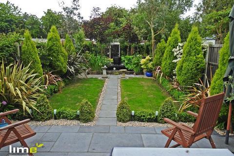 3 bedroom terraced house to rent - Belvedere Road, Hessle, Hull, HU13 9JH