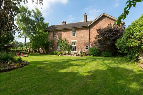 5 bedroom detached house for sale - Chatwell Court, Great Chatwell, Newport, Staffordshire, TF10