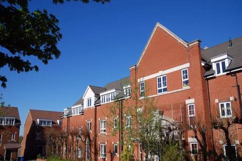 2 bedroom flat to rent - Craven Court, Crome Road, Norwich