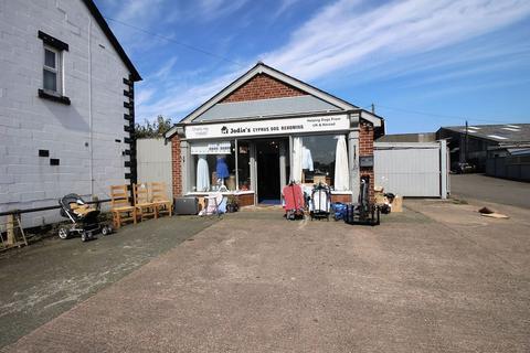 Property to rent - Ditherington Road, Shrewsbury