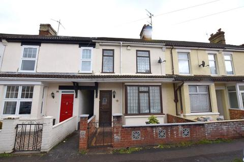 3 bedroom terraced house for sale - Willow Road, Aylesbury