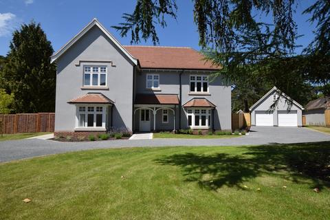 5 bedroom detached house for sale - St. Clare Drive, Colchester