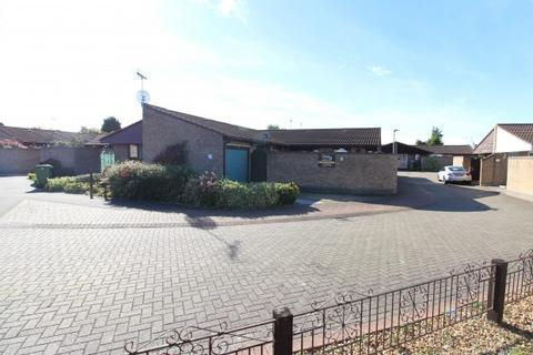 2 bedroom bungalow for sale - Finchfield Finchfield ,  Peterborough, PE1