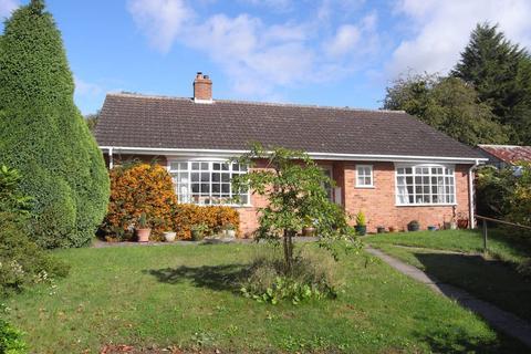 3 bedroom detached bungalow to rent - Beach Lane, Bromsberrow Heath