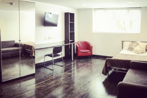 Studio to rent - 100 Dale Rd -HMO  (OPPOSITE UNIVERSITY: REF 100D11)