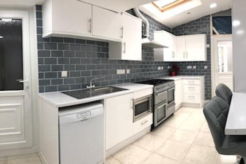 6 bedroom house to rent - ENSUITE BEDROOM: 121 Warwards Lane, Birmingham, B29