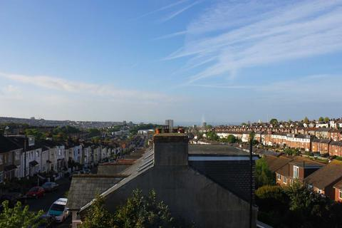 4 bedroom semi-detached house to rent - Family Home With Brighton Views