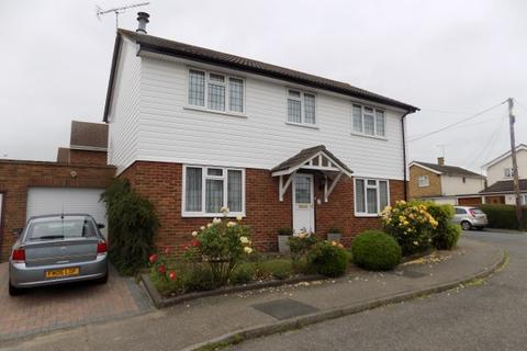 4 bedroom detached house for sale - Paignton Close, Rayleigh, Essex, SS6 9PW